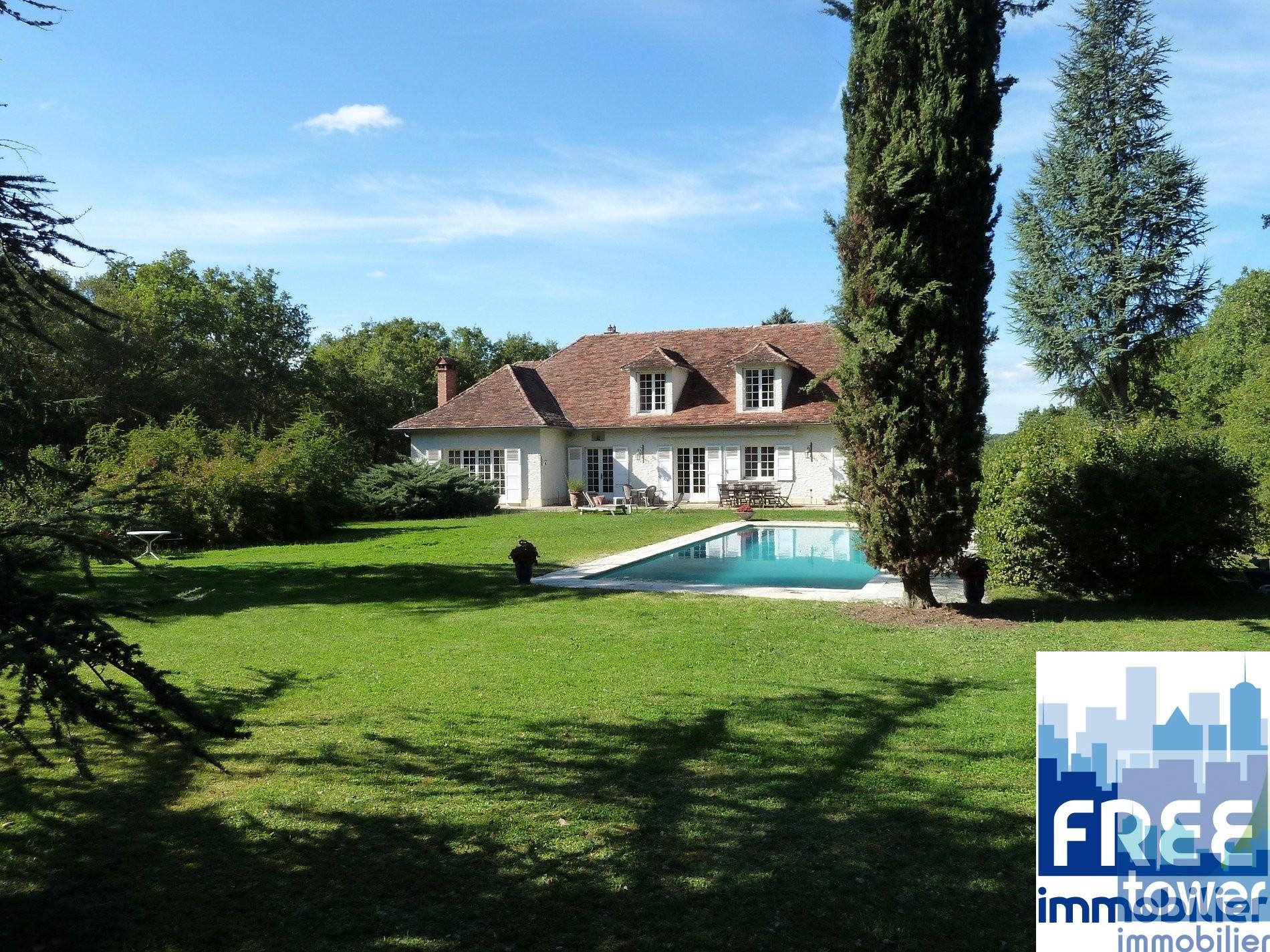 Annonce vente maison villefranche de rouergue 12200 294 m 370 000 992739946210 for Asilo masi maison de charme