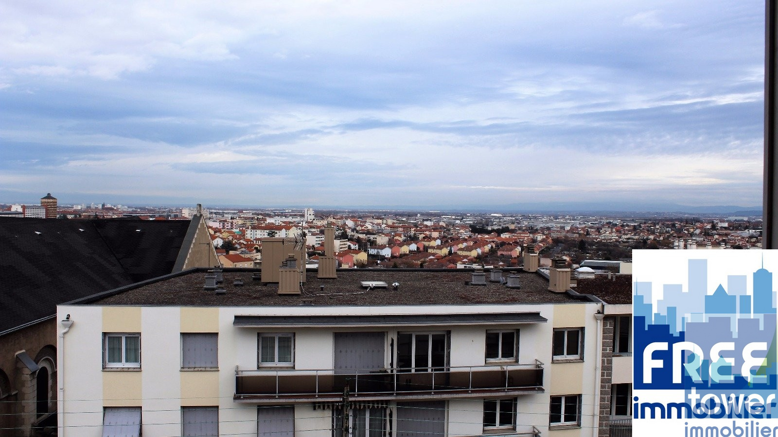 Vente appartement a vendre clermont ferrand for Vente appartement atypique clermont ferrand